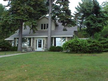 Higgins Lake chateau / country house rental - Chateau Rockmoor has one of the best locations on the shore of Higgins Lake