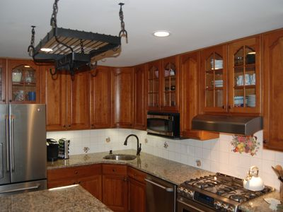 East Hampton house rental - Kitchen... Just updated with new appliances, an island and granite counters.