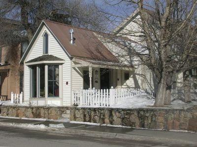 Horse & Carriage pass house daily - House is in town 1 short block off Main St.