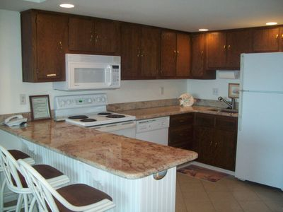 granite counter tops breakfast bar