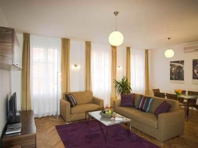 Two Bedroom Apartment - Karlova 42