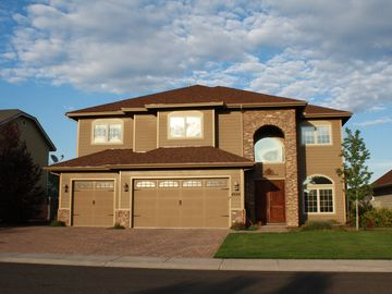 Flagstaff house rental - West facing front of home for beautiful sunsets.