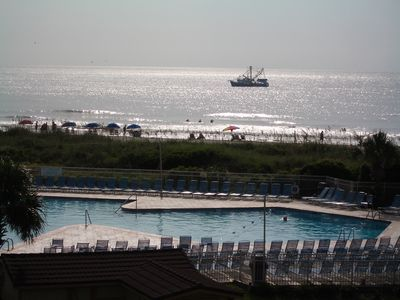 Hilton Head Island~Ships, seashore wide beach and largest pool on Hilton Head!