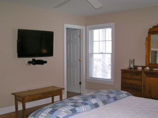 Montauk house photo - 32' HDTV & DirecTV in the Master bedroom
