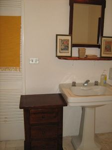 Ostuni cottage rental - Bathroom