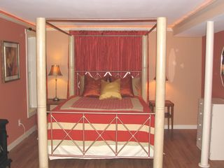 Queen bed with pillowtop mattress
