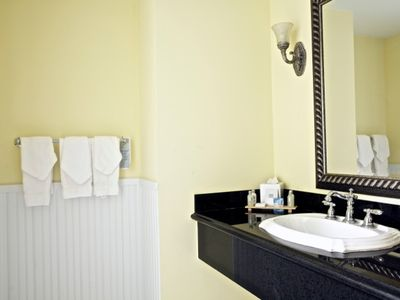 Fort Lauderdale hotel rental - Bathroom vanity