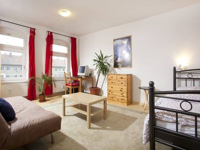 2 room apartment centrally located beside Kulturbrauerei in Prenzlauer Berg