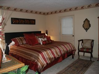 Indian Rocks Beach condo photo - Bedroom w comfortable king size bed. Walk-in closet.