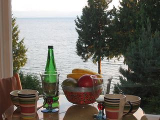 Sechelt cottage photo - .Breakfast in the Sunroom