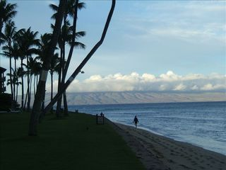 Kaanapali condo photo - Early morning view of Lanai