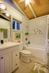 Kapoho house photo - Guest Room Bathroom en Suite