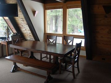 Dining room: Great views and lots of natural light.