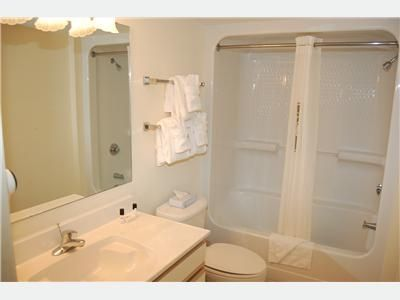 Clean Sparkling Bathrooms