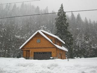 Mount Shasta cabin photo - From the Road