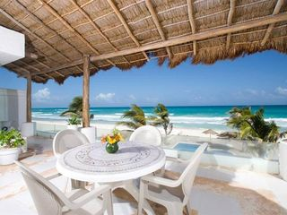 Playa del Secreto villa photo - Terrace Breakfast nook with spectacular ocean view..