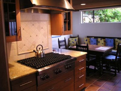 Malibu house rental - Granite Kitchen, Sub-Zero, Wolf Range, Dacor oven/micro, 25 bottle wine cellar