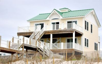 Faboulous balconies and decks overlooking the beach!