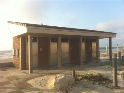 New public restrooms & outdoor showers located at the seawall parking lot.