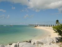 A Touch of Paradise...Key West Style! w/pool, beach around the corner! 2bed 2bth