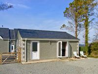 BABELL COTTAGE, pet friendly, with a garden in Brynteg, Ref 21474