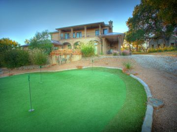 Putting green, washers, and horseshoes - play away