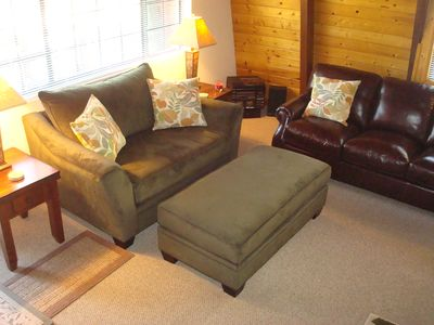 Big Bear Lake cabin rental - Brand new comfortable den furnishings