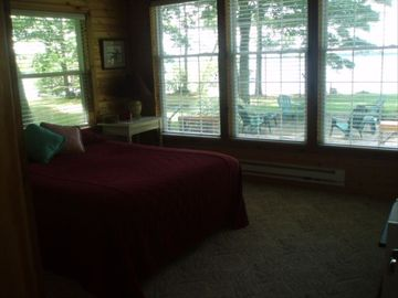 Master Bedroom w/Lake View - queen bed with attached bathroom
