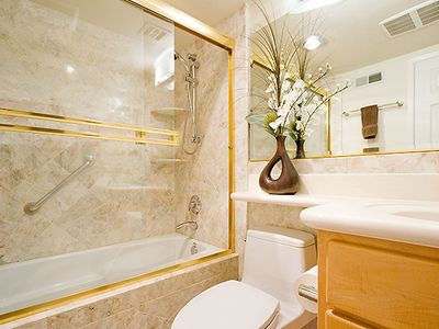 San Francisco condo rental - Guest Bathroom -Sunset Condo