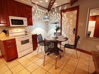 Tybee Island condo photo - Dinning area