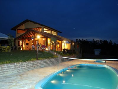Country house in Tietê-SP, c / 11 rooms, 5 baths, tennis courts and volleyball, Wi-Fi