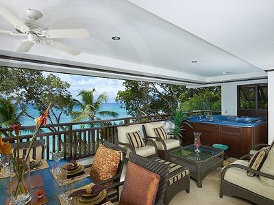 Balcony with 6 person jacuzzi