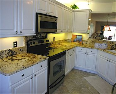 Granite Countertops & stainless steel appliances