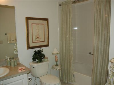 The Villages villa rental - Guest Bathroom with tub and shower