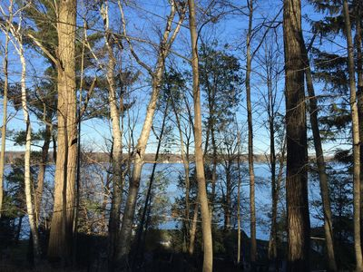 Kp's Hilltop Hideaway--Panoramic Views of Hamlin Lake with Public Lake Access