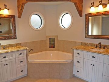 Luxurious Master Bath, double vanities,jetted tub,separate toilet,walk-in shower