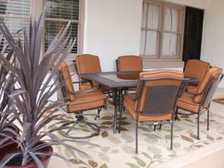 Tucson bungalow photo - Rear Patio Seats Six for Dining Al Fresco at Villa Blanca