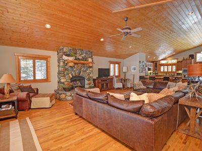 Tahoe Mountain Lodge - Luxury Tahoe home with a game room