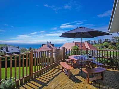 4 star 4 bedroom holiday house with beautiful sea views and next to golf course