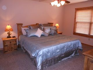 Branson lodge photo - 2nd King Master bedroom with memory foam mattress and luxury bedding