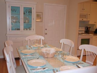 Bethany Beach townhome photo - The dining room table can seat up to 8 people.
