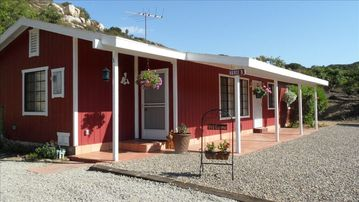 Temecula cottage rental - Wonderful Getaway in the Beautiful Hills of Temecula