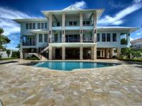 ***Pool, Dock, Gated, Bay, Luxury @ Pineapple Plantation****