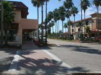 Relaxing 1BR Condo With Heated Pool, Tennis Courts, & Minutes To 3 Beaches.