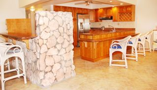 Grand Cayman condo photo - Beautiful design elements throughout