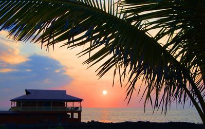 Hale Kai Sunset and your Tropical Dream Home 20 feet from the Sea!