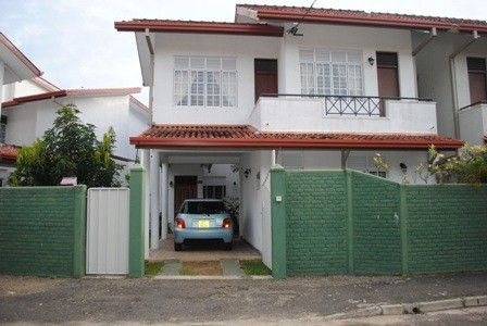 A tranquil villa in Jaela, close to Negombo on the west coast