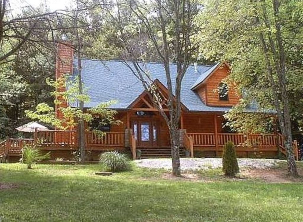 Adventurewood luxury log cabin hot tub vrbo for Cabin rentals vicino a nashville tn