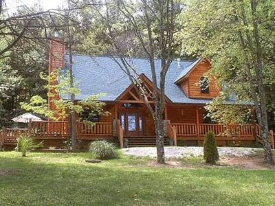 Adventurewood Luxury Log Cabin in Brown County Indiana