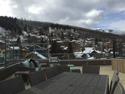 Gorgeous & NEW Ski-OUT/Ski-IN Steps from Main Street